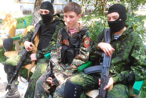 Війна і діти: проблеми участі дітей у бойових діях (юридичний аналіз та політичний прогноз)