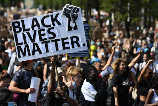 Расова критична теорія та її застосування в освіті США